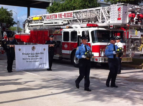 "<div class=""meta image-caption""><div class=""origin-logo origin-image ""><span></span></div><span class=""caption-text"">Just outside Reliant Stadium, as firefighters arrive this morning for the firefighter memorial service (ABC13/Sonia Azad)</span></div>"