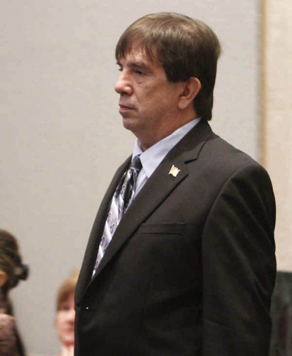 Roy Kronk enters the courtroom to testify in the Casey Anthony murder trial at the Orange County Courthouse, Tuesday, June 28, 2011, in Orlando, Fla. Anthony, 25, is charged with killing her daughter Caylee in the summer of 2008. (AP Photo/Red Huber, Pool)
