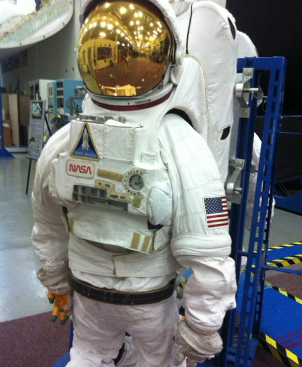 Space suit for training at Johnson Space Center <span class=meta>(KTRK&#47;Samica Knight)</span>