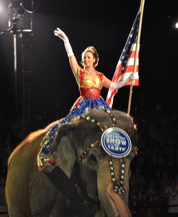 "<div class=""meta image-caption""><div class=""origin-logo origin-image ""><span></span></div><span class=""caption-text"">Images from  the Ringling Brothers and Barnum  & Bailey Circus show at Reliant Stadium in Houston (KTRK/Blanca Beltran)</span></div>"