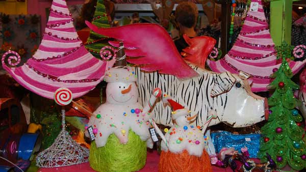 "<div class=""meta image-caption""><div class=""origin-logo origin-image ""><span></span></div><span class=""caption-text"">This year's Nutcracker Market, themed ""Holiday Under the Big Top,""  features more than 323 national and international merchants carefully selected for their unique offerings selling gifts for the entire family -- home décor, gourmet food, garden, clothing, novelties, accessories and more. All proceeds from the market benefit the Houston Ballet Foundation. (KTRK)</span></div>"