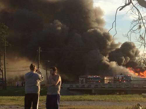 These are photos viewers sent in of the fire in northeast Houston that destroyed one building and damaged another <span class=meta>(Photo&#47;iWitness Reports)</span>