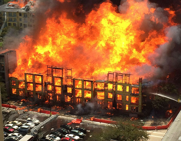 "<div class=""meta ""><span class=""caption-text "">These are photos viewers sent to us at news@abc13.com of the fire that burned at a Montrose area apartment complex under construction (Photo/iWitness Reports)</span></div>"