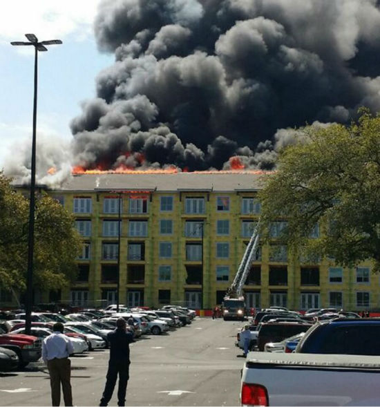 "<div class=""meta ""><span class=""caption-text "">These are images viewers sent to us at news@abc13.com of the fire that burned in Montrose Tuesday, March 25. (Photo/iWtiness Reports)</span></div>"