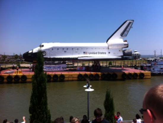 These are photos you&#39;ve been sending in from the shuttle&#39;s move from Florida to Space Center Houston.  If you captured photos or videos of the move, email them to us at news@abc13.com. <span class=meta>(Photo&#47;iWitness Reports)</span>