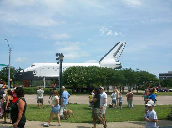 "<div class=""meta ""><span class=""caption-text "">These are photos you've been sending in from the shuttle's move from Florida to Space Center Houston. If you captured photos or videos of the move, email them to us at news@abc13.com (Photo/iWitness Reports)</span></div>"