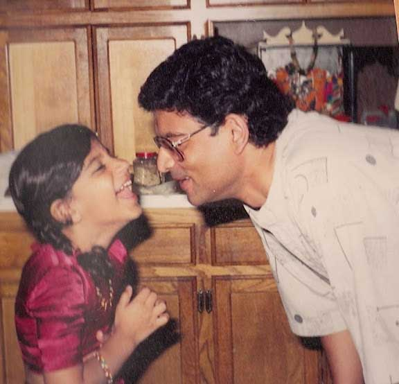Reporter Pooja Lohdia and her father <span class=meta>(Pooja Lohdia)</span>