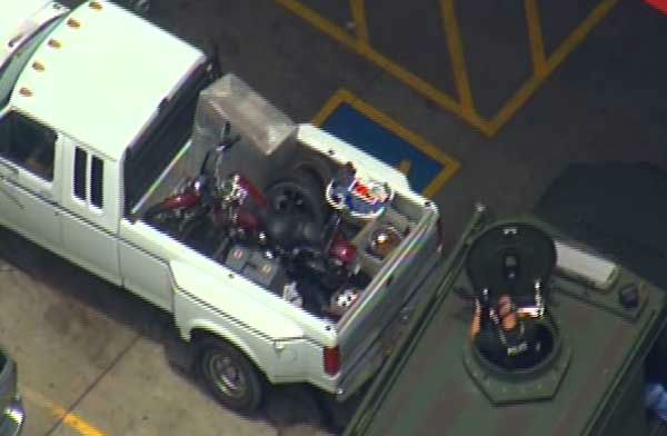 Sky Eye HD was over a Baytown truck stop as a suspect held a SWAT team at bay for more than an hour <span class=meta>(Photo&#47;SkyEye HD)</span>