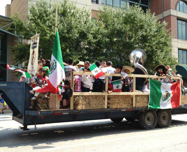 These are photos viewers sent in of the Fiestas Patrias parade in downtown Houston Saturday.  If you shot photos, eamil them to us at news@abc13.com <span class=meta>(Photo&#47;iWitness reports)</span>