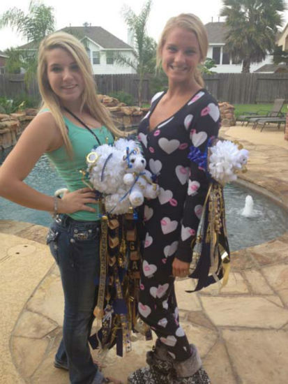 "<div class=""meta ""><span class=""caption-text "">It's homecoming time in the Houston area and that means mums!  Here are just a few that have been sent in.  Send your mum pics to news@abc13.com and we'll add them. (Photo/iWitness Reports)</span></div>"