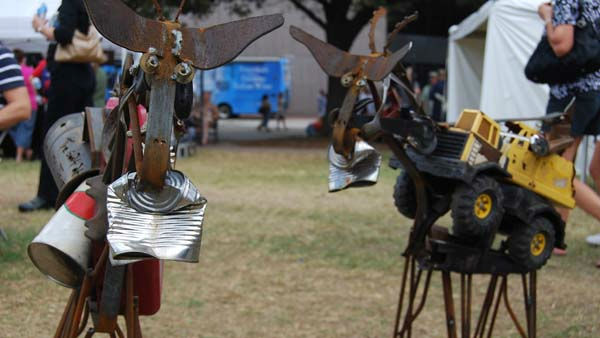 "<div class=""meta ""><span class=""caption-text "">Hundreds of artists showcase their works in downtown Houston at the Bayou City Art Festival, October 8-9, 2011 (KTRK Photo/ Gina Larson)</span></div>"