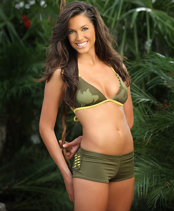Image of cheerleader Andrea from the 2010 Houston Texans Cheerleaders Swimsuit Calendar <span class=meta>(Houston Texans)</span>