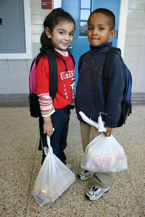 Students at Betsy Ross Elementary <span class=meta>(Photo&#47;Houston Food Bank)</span>