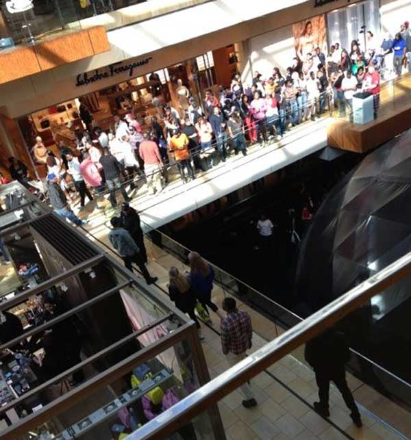 Massive crowds at the Galleria on Saturday prompted officials to close down the mall early as a precaution. <span class=meta>(KillUH_CamiC from Twitter)</span>