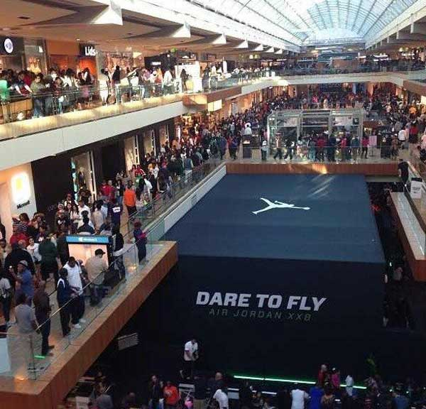 Massive crowds at the Galleria on Saturday prompted officials to close down the mall early as a precaution. <span class=meta>(DisRedd from Twitter)</span>