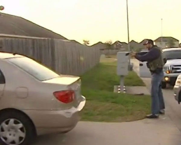 These are photos from the arrest of Matthew Sowders Thursday afternoon.  <span class=meta>(Photo&#47;ABC13)</span>