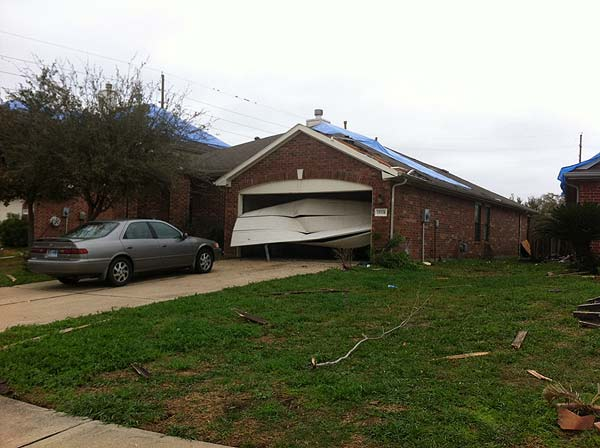 Fort Bend County residents are dealing with damage left behind by Monday&#39;s tornado <span class=meta>(Katie McCall&#47;KTRK)</span>