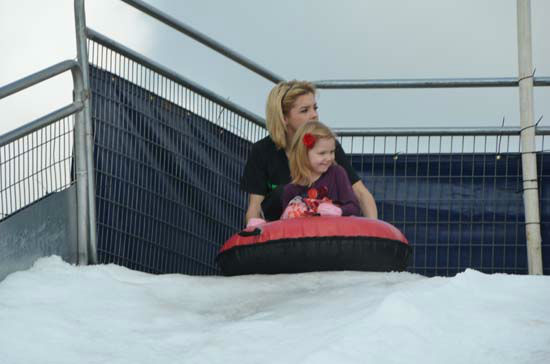 The Annual Pearland Winterfest was held over the weekend. It was two fun-filled days of playing in the snow, riding rides, plenty of food and great entertainment. <span class=meta>(ABC-13&#47;Blanca Beltran)</span>