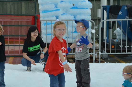 Saturday was a fun-filled day at the Annual Pearland Winterfest, which included playing in the snow, riding rides, plenty of food and great entertainment. <span class=meta>(ABC-13&#47;Blanca Beltran)</span>