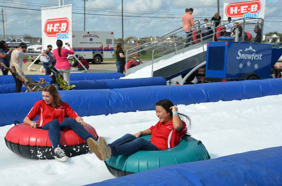 The Annual Pearland Winterfest was held over the weekend. It was a fun-filled day of playing in the snow, riding rides, plenty of food and great entertainment. <span class=meta>(ABC-13&#47;Blanca Beltran)</span>