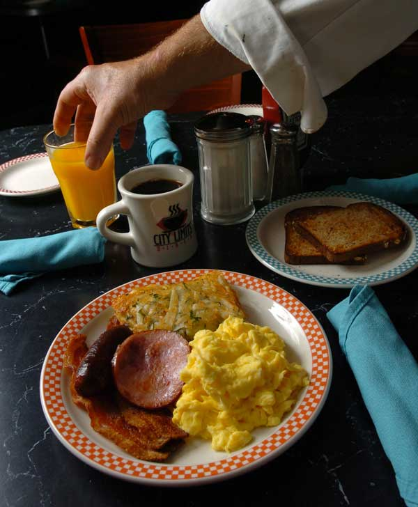 "<div class=""meta ""><span class=""caption-text "">Regularly eating breakfast helps prevent obesity. Fact: Two studies found no effect on weight and one suggested that the effect depended on whether people were used to skipping breakfast or not. (AP)</span></div>"