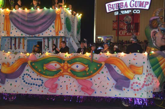 "<div class=""meta image-caption""><div class=""origin-logo origin-image ""><span></span></div><span class=""caption-text"">The annual Galveston Mardi Gras Knights of Momus parade was full of elaborate floats, marching bands, and bead-throwing action (ABC13/Blanca Beltran)</span></div>"