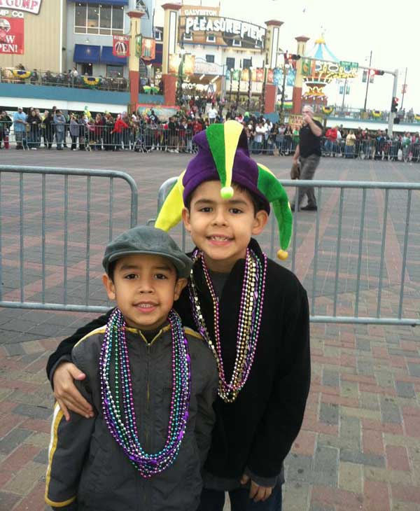 The annual Galveston Mardi Gras Knights of Momus parade was full of elaborate floats, marching bands, and bead-throwing action <span class=meta>(ABC13&#47;Blanca Beltran)</span>