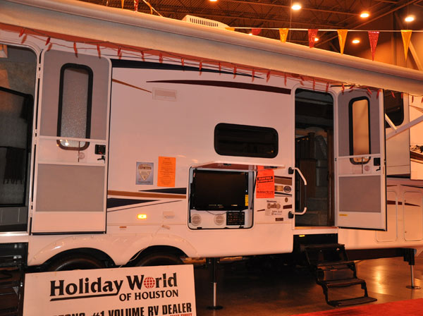 The Houston RV Show is now the largest in Texas with over 600 units on display, including motorhomes, travel trailers, tent campers, and van conversions.   The show runs Wednesday, February 8, through Sunday, February 12.  Click here for more info on the show. <span class=meta>(Blanca Beltran)</span>