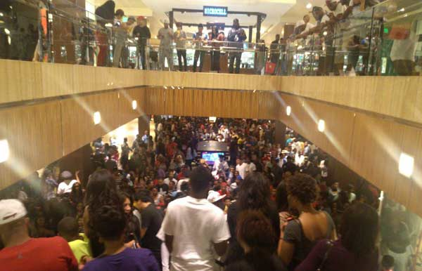 "<div class=""meta image-caption""><div class=""origin-logo origin-image ""><span></span></div><span class=""caption-text"">An iWitness user documents the massive crowds at the Houston Galleria. The overcrowding prompted officials to close down the mall early as a precaution  on Saturday. (iWitness)</span></div>"