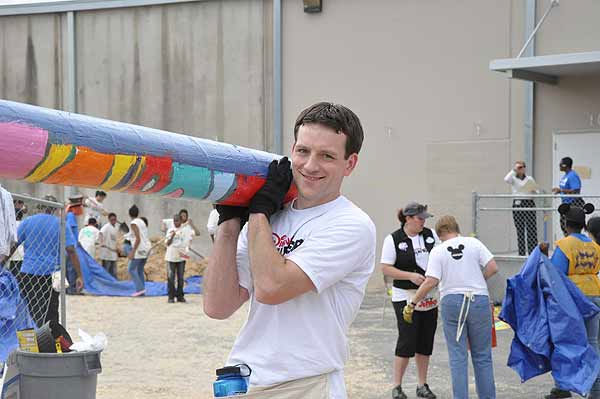 "<div class=""meta image-caption""><div class=""origin-logo origin-image ""><span></span></div><span class=""caption-text"">Hundreds of volunteers, including some familiar faces from ABC13, turned out on Friday, March 4, 2011, to build a playground and garden for KIPP Academy students in northeast Houston in just six hours. (KTRK Photo)</span></div>"