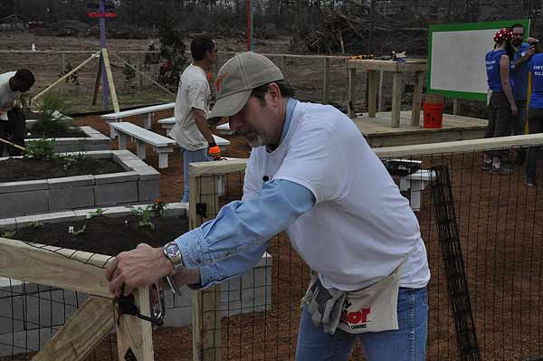 "<div class=""meta ""><span class=""caption-text "">Hundreds of volunteers, including some familiar faces from ABC13, turned out on Friday, March 4, 2011, to build a playground and garden for KIPP Academy students in northeast Houston in just six hours. (KTRK Photo)</span></div>"