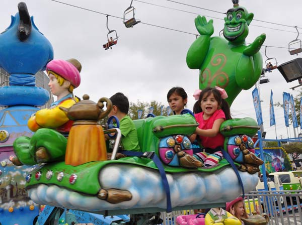 "<div class=""meta ""><span class=""caption-text "">Images from the Carnival at the Houston Livestock Show and Rodeo  (KTRK/Blanca Beltran)</span></div>"