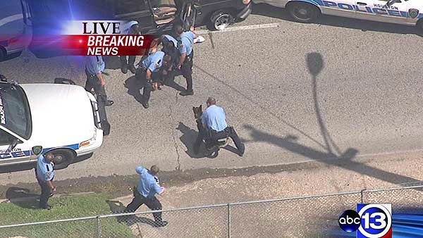 "<div class=""meta ""><span class=""caption-text "">Police officers pulled a driver from an SUV following a slow speed chase that ended in east Houston (KTRK Photo)</span></div>"