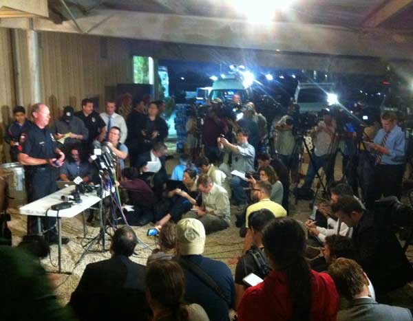Media gathers for a briefing from law enforcement following the massive explosion in West, Texas. <span class=meta>(Jaime Zamora&#47;ABC13)</span>