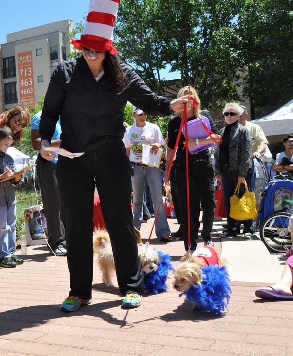 "<div class=""meta ""><span class=""caption-text "">Houston PetTalk Magazine, in partnership with CityCentre and MyFuzzbook.com hosted the 2012 Doggy Party on the Plaza over the weekend to help promote rescue awareness.  ABC-13 meteorologist Casey Curry emceed the pet costume contest and an owner/pet look-a-like contest. (KTRK/Blanca Beltran)</span></div>"