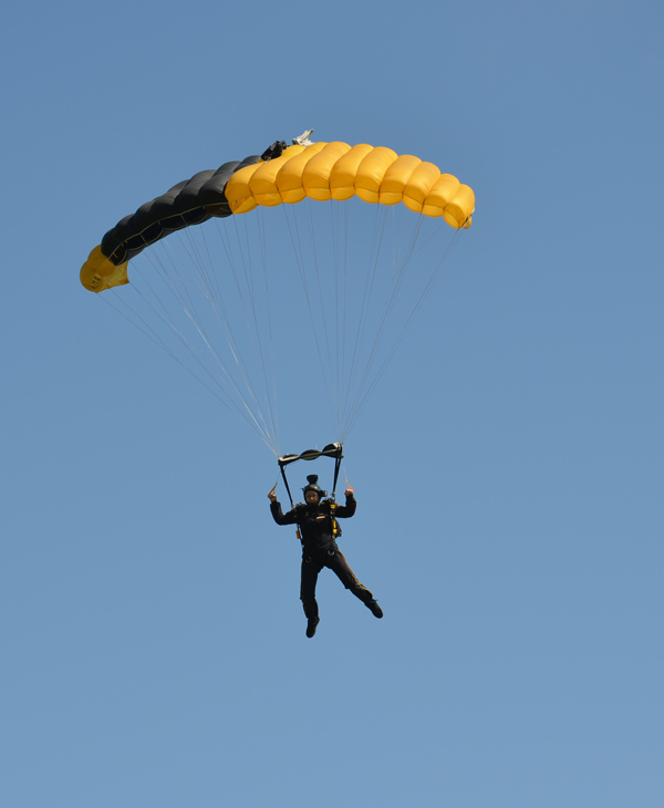 "<div class=""meta ""><span class=""caption-text "">ABC-13 Meteorologist Casey Curry took part of a tandem jump with the US Army Golden Knights.  Several others also took the training class before they took the plunge with the elite parachuting team.  ( )</span></div>"