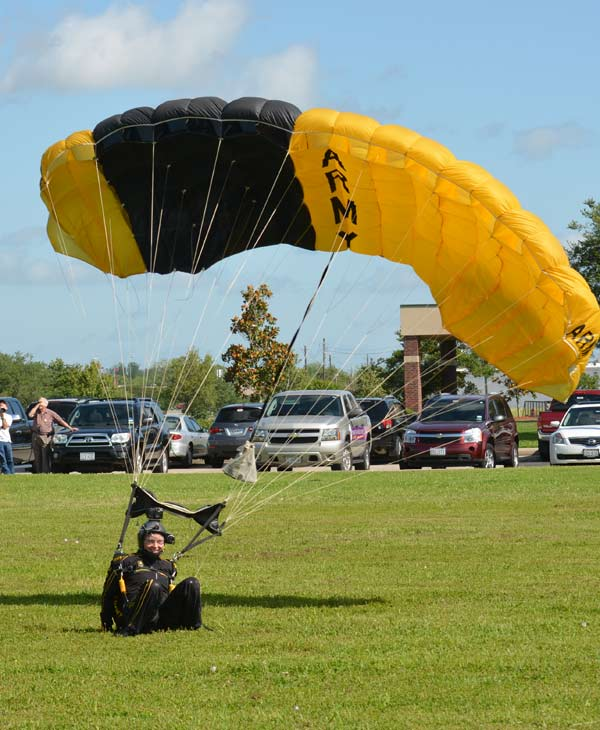 "<div class=""meta image-caption""><div class=""origin-logo origin-image ""><span></span></div><span class=""caption-text"">ABC-13 Meteorologist Casey Curry took part of a tandem jump with the US Army Golden Knights.  Several others also took the training class before they took the plunge with the elite parachuting team.  (ABC-13)</span></div>"