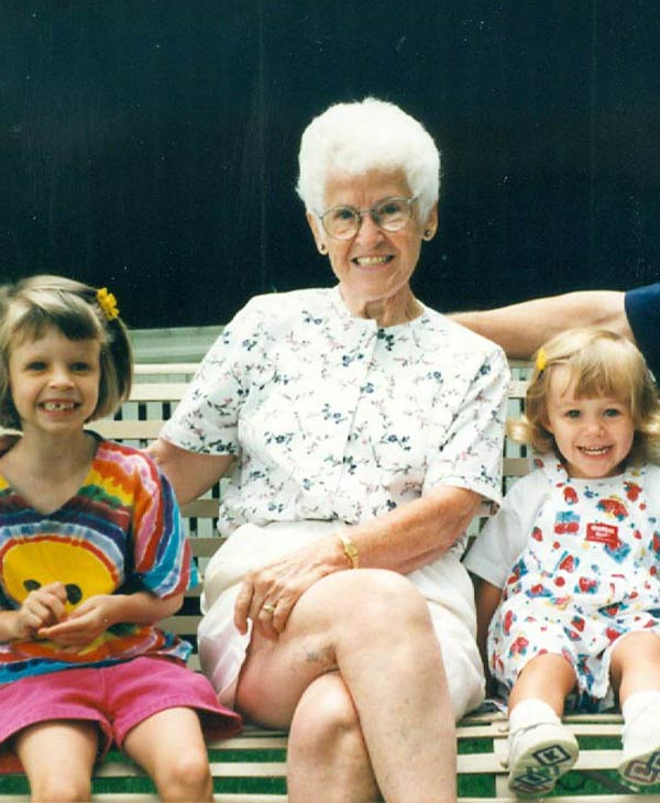 ABC-13 anchor Tom Koch&#39;s mother with his daughters <span class=meta>(Tom Koch)</span>