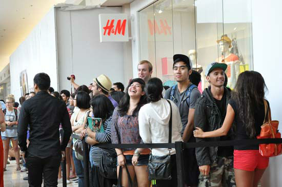 "<div class=""meta ""><span class=""caption-text "">H&M, Hennes & Mauritz, the popular global retailer known for offering fashion-forward apparel and quality basics, opened on Thursday, May 31st.   H&M at Baybrook Mall will give Houston shoppers access to the latest trends at the best prices. (KTRK Photo/ Blanca Beltran)</span></div>"