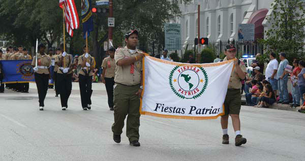 "<div class=""meta image-caption""><div class=""origin-logo origin-image ""><span></span></div><span class=""caption-text"">Houstonians lined downtown streets Saturday for the 45th annual Fiestas Patrias parade.  The event celebrates Mexico's independence from Spain.  If you were there, send  your photos to news@abc13.com! (ABC13/Blanca Beltran)</span></div>"