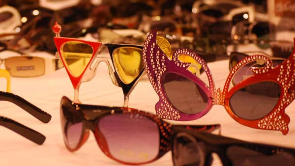 "<div class=""meta ""><span class=""caption-text "">The expo also featured vendors with everything from sunglasses to shoes and hair extensions (KTRK Photo/ Kristy Gillentine)</span></div>"