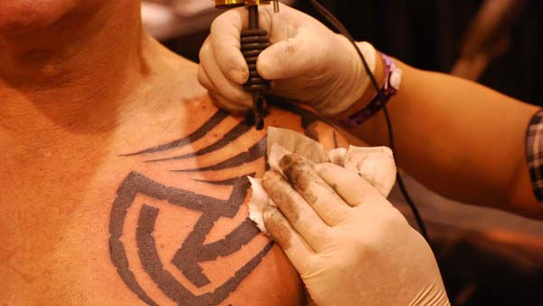 "<div class=""meta image-caption""><div class=""origin-logo origin-image ""><span></span></div><span class=""caption-text"">The 2011 Body Art Expo -- the world's largest tattoo expo, and a ""gigantic skin show-off party"" -- was at Reliant Center on September 16-18 (KTRK Photo/ Kristy Gillentine)</span></div>"