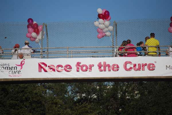 "<div class=""meta ""><span class=""caption-text "">It was a picture perfect morning for the 21st annual Susan G. Komen Race for the Cure in downtown Houston (KTRK/Gina Larson)</span></div>"