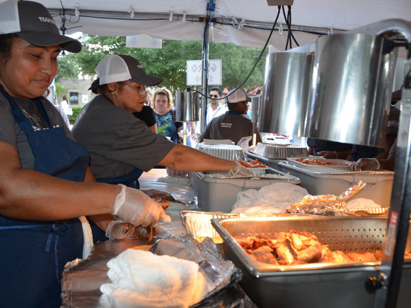 "<div class=""meta ""><span class=""caption-text "">The Original Greek Festival features everything from delicious Greek food and  pastries to traditional dancing and a unique shopping experience.  The festival runs through Sunday, October 6.  (ABC13/Blanca Beltran)</span></div>"