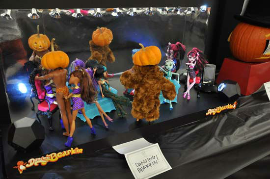 Images from the annual Pumpkin Carving Contest -- Cast your vote for your favorite at batcetera.com <span class=meta>(ABC-13)</span>