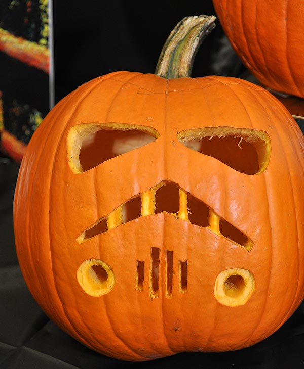 "<div class=""meta image-caption""><div class=""origin-logo origin-image ""><span></span></div><span class=""caption-text"">Images from the 14th Annual Pumpkin Carving Contest -- Cast your vote for your favorite at batcetera.com (KTRK/Blanca Beltran)</span></div>"