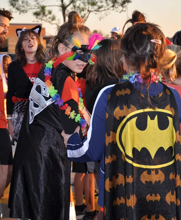 "<div class=""meta ""><span class=""caption-text "">Runners of all ages -- some in costumes -- came out to participate in the 2011 Monster Dash event held in Pearland  (KTRK/Blanca Beltran)</span></div>"