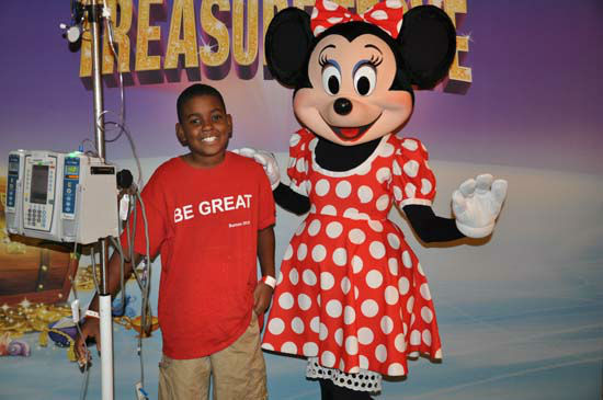 Minnie Mouse made a special appearance to patients at Children?s Memorial Hermann Hospital, home to Houston?s largest and busiest Level 1 pediatric trauma center.  Disney On Ice presents Treasure Trove is performing at Reliant Stadium from Wednesday, November 7 through Sunday, November 11, and Children?s Memorial Hermann Hospital patients were given a sneak peek.  Disney is the parent company of KTRK-TV.  <span class=meta>(Photo&#47;ABC-13)</span>