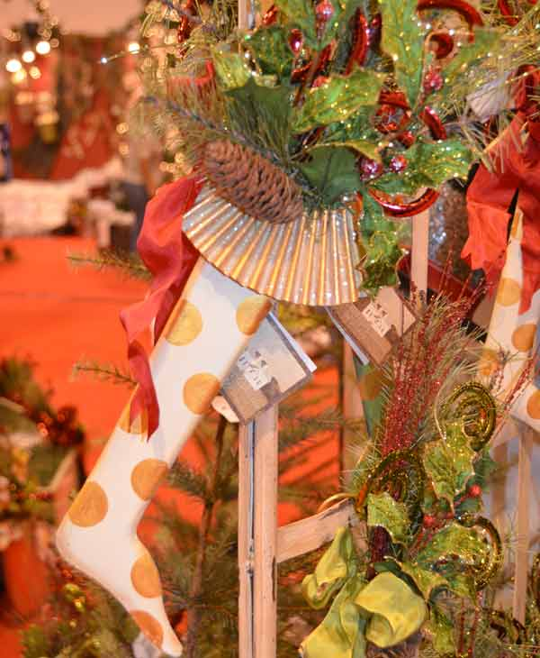 The annual Nutcracker Market features more than 300 national and international merchants carefully selected for their unique offerings selling gifts for the entire family -- home d&#233;cor, gourmet food, clothing, novelties, accessories and more.  Proceeds from the Market benefit Houston Ballet Foundation and its Academy and Scholarship Program.    <span class=meta>(Blanca Beltran)</span>