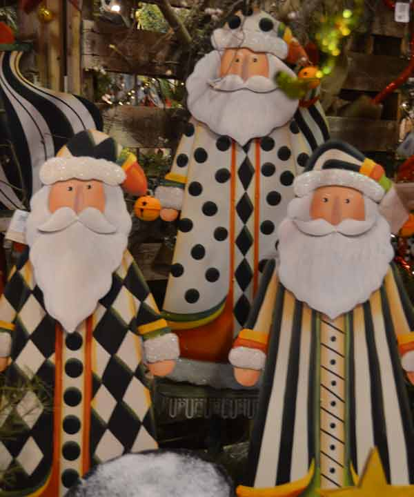"<div class=""meta image-caption""><div class=""origin-logo origin-image ""><span></span></div><span class=""caption-text"">The annual Nutcracker Market features more than 300 national and international merchants carefully selected for their unique offerings selling gifts for the entire family -- home décor, gourmet food, clothing, novelties, accessories and more.  Proceeds from the Market benefit Houston Ballet Foundation and its Academy and Scholarship Program.    (Blanca Beltran)</span></div>"